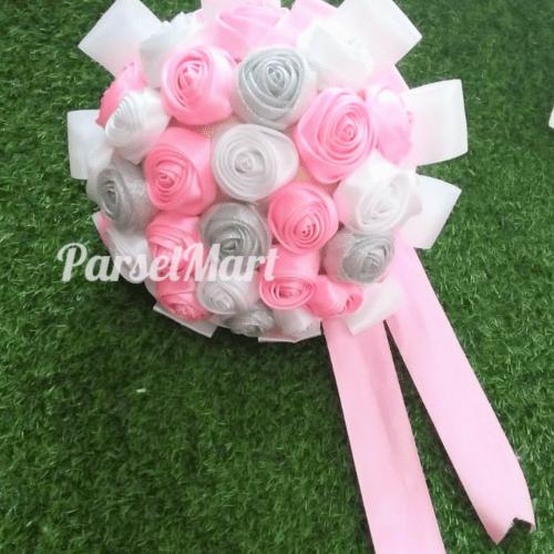 buket-bunga-pengantin-dari-satin